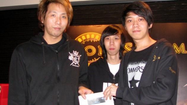 Champion Tagan Chua (right)