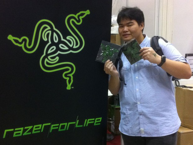 Wei Meng with the Sign of Razer