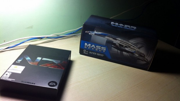Look what we've got here! The Mass Effect 3 CE Steelbox and SR2 Alliance Normandy Replica.